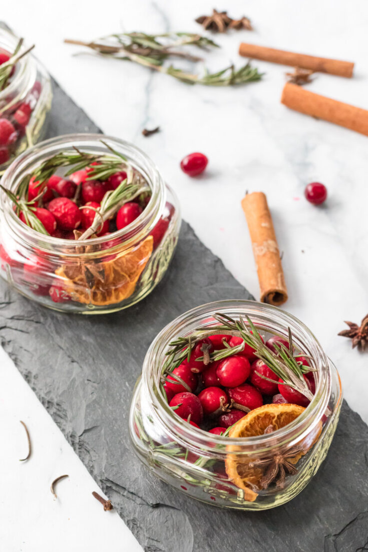 Holiday Slow Cooker Potpourri In A Jar