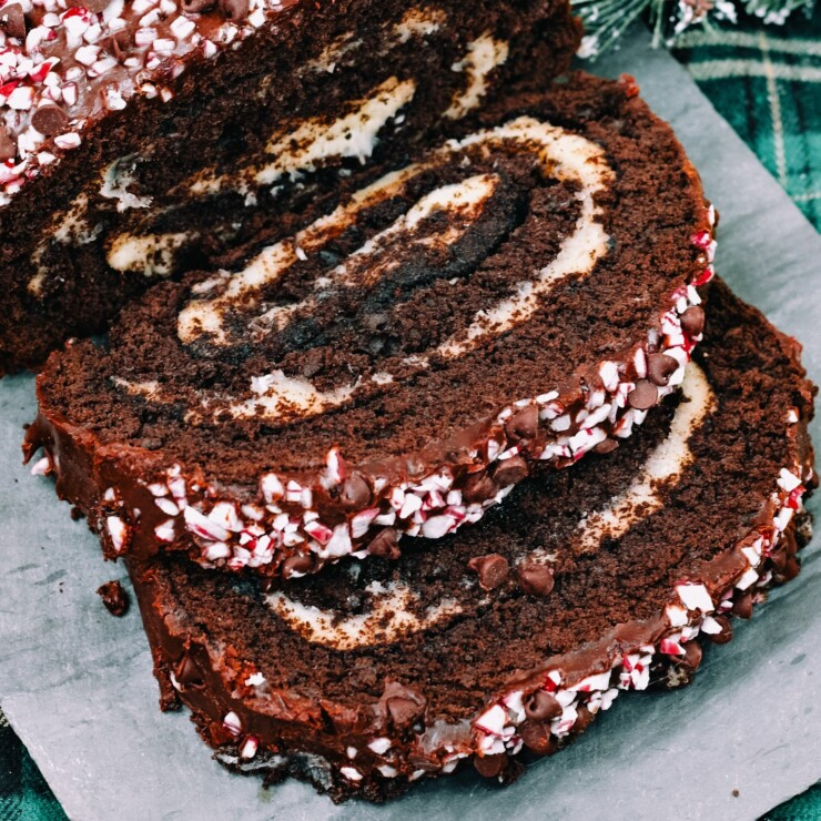 Peppermint Chocolate Cake Roll
