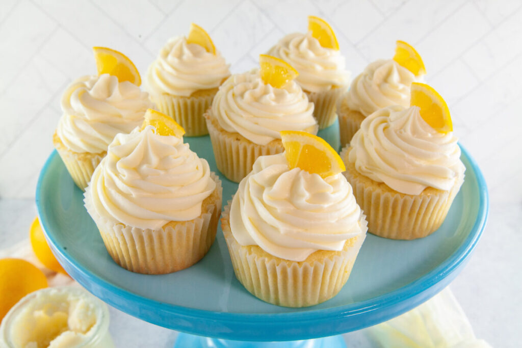 This is the best, classic recipe for Lemon Cupcakes that are soft, fluffy and full of sweet and tangy lemon flavour.