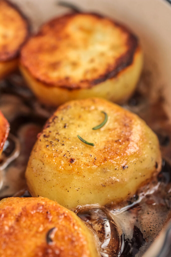 Also known as Fondant Potatoes, Melting Potatoes are a tasty potato side dish that are crispy and brown on the outside and soft inside.