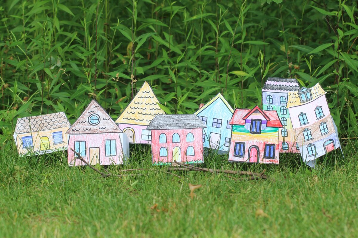 Download and print these free Paper House Crafts - includes 17 different designs that can be coloured and played with for hours of free fun!