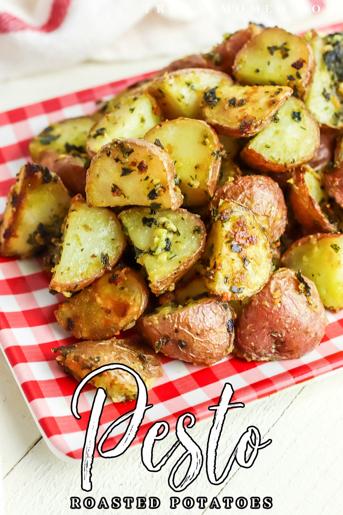 These Pesto Roasted Potatoes are such a classic side dish that goes well with a variety of proteins! Tender potatoes, coated with flavourful pesto and roasted to crispy perfection.