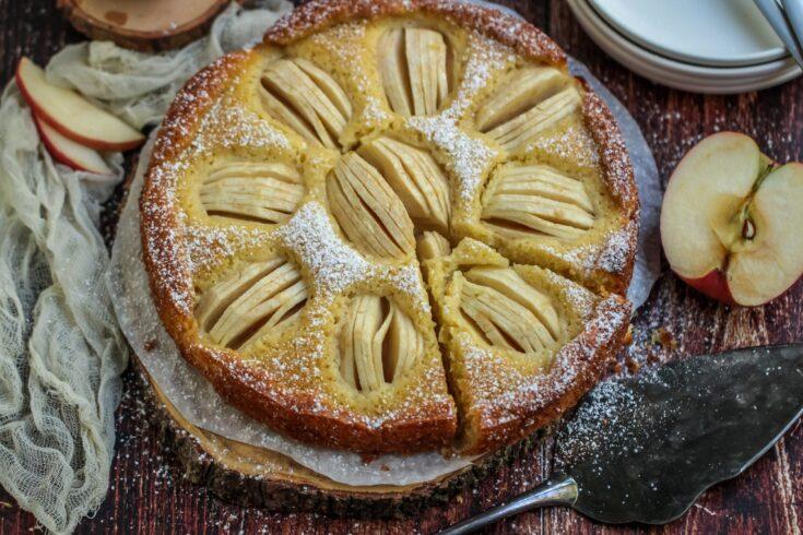 German Apple Cake (Apfelkuchen)