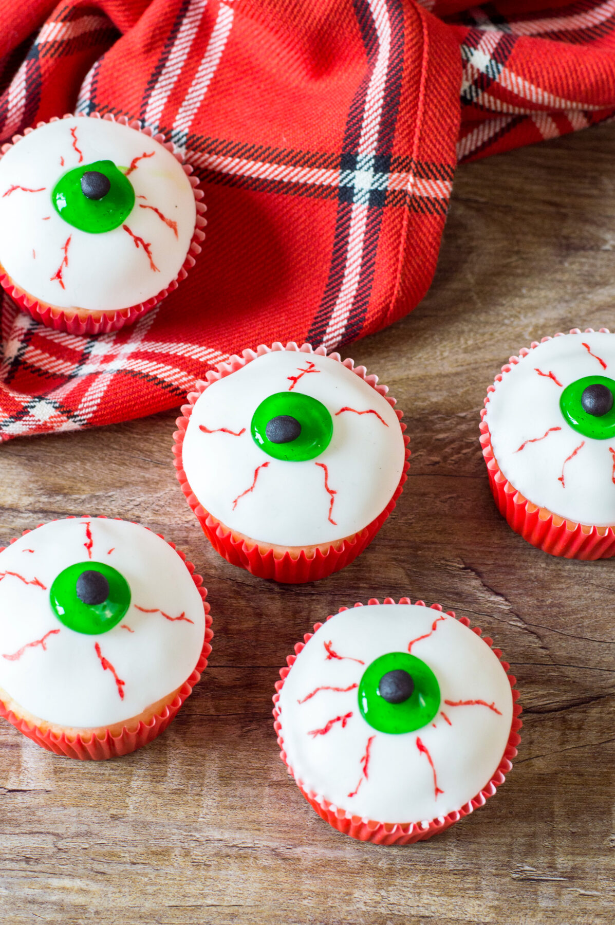 A Halloween party is not complete without these delicious bloodshot eyeball cupcakes. These spooky Halloween cupcakes are made from scratch!